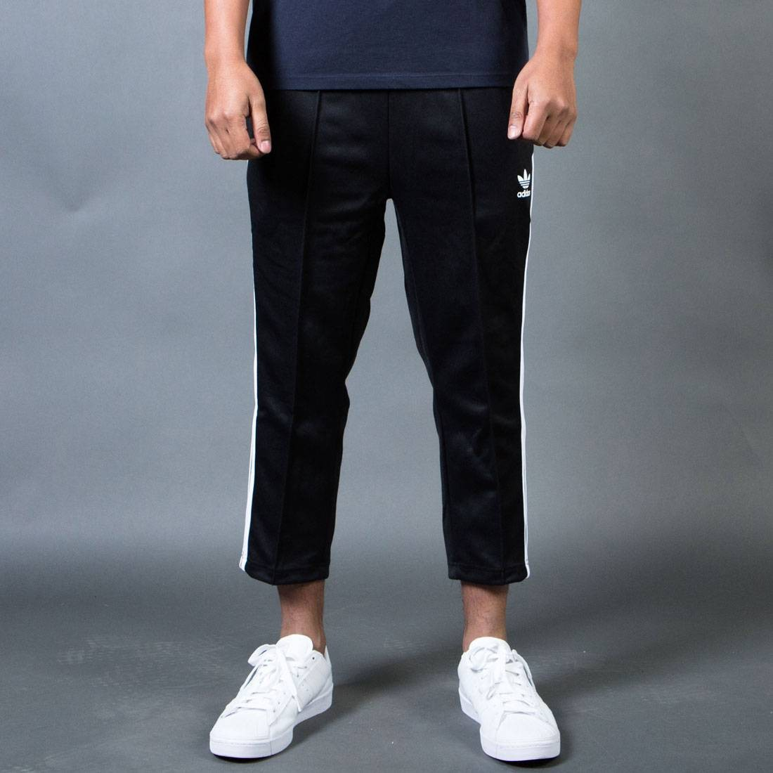 Free shipping and returns on Men's Cropped Pants at cybergamesl.ga