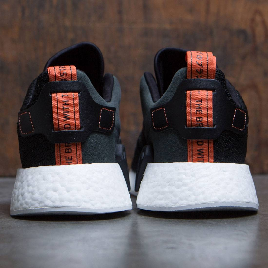 plus récent dfecd ef610 adidas Originals NMD_R2 PK Trainers core black/white Zalando