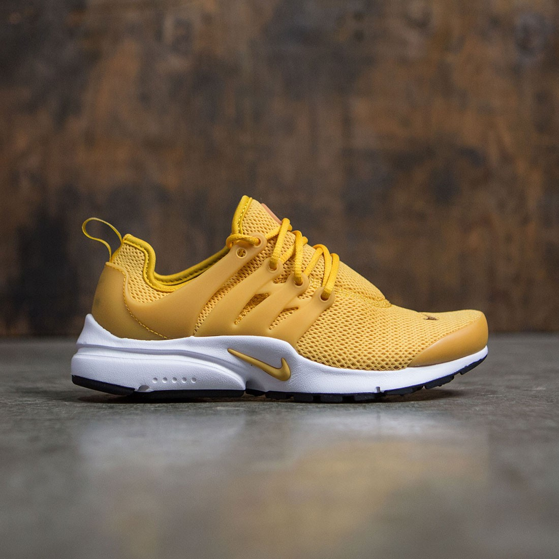 official photos cfb7b abce9 NIKE WOMEN AIR PRESTO (GOLD DART / GOLD DART-DESERT OCHRE ...