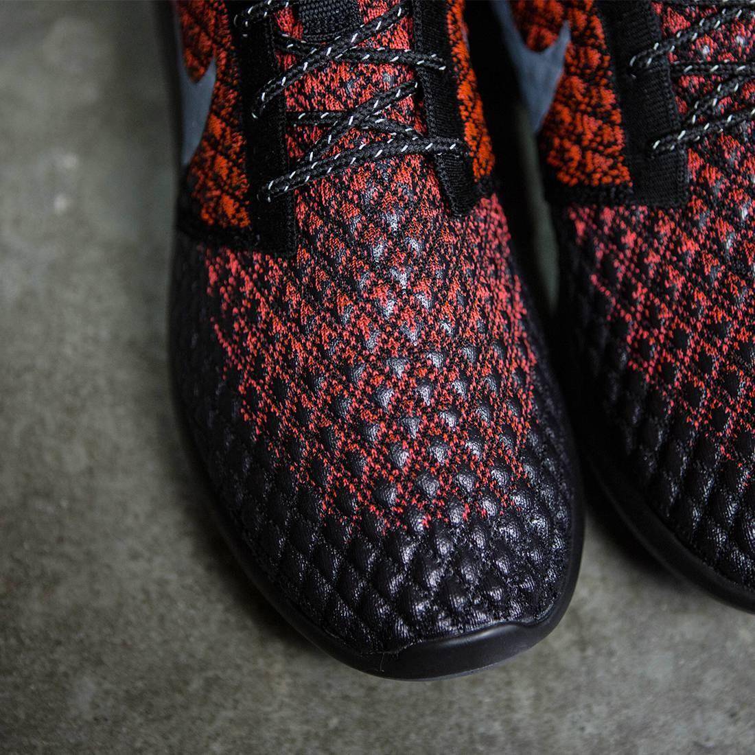 big sale 9b7c3 c05ef Nike Roshe Two Triple Black On feet Video at Exclucity