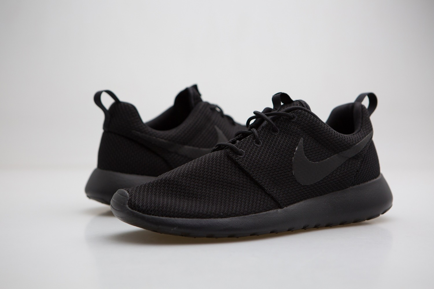 online store 4fd87 e0865 Nike Roshe One All Black Mens Size 8 SNEAKERS 511881 026