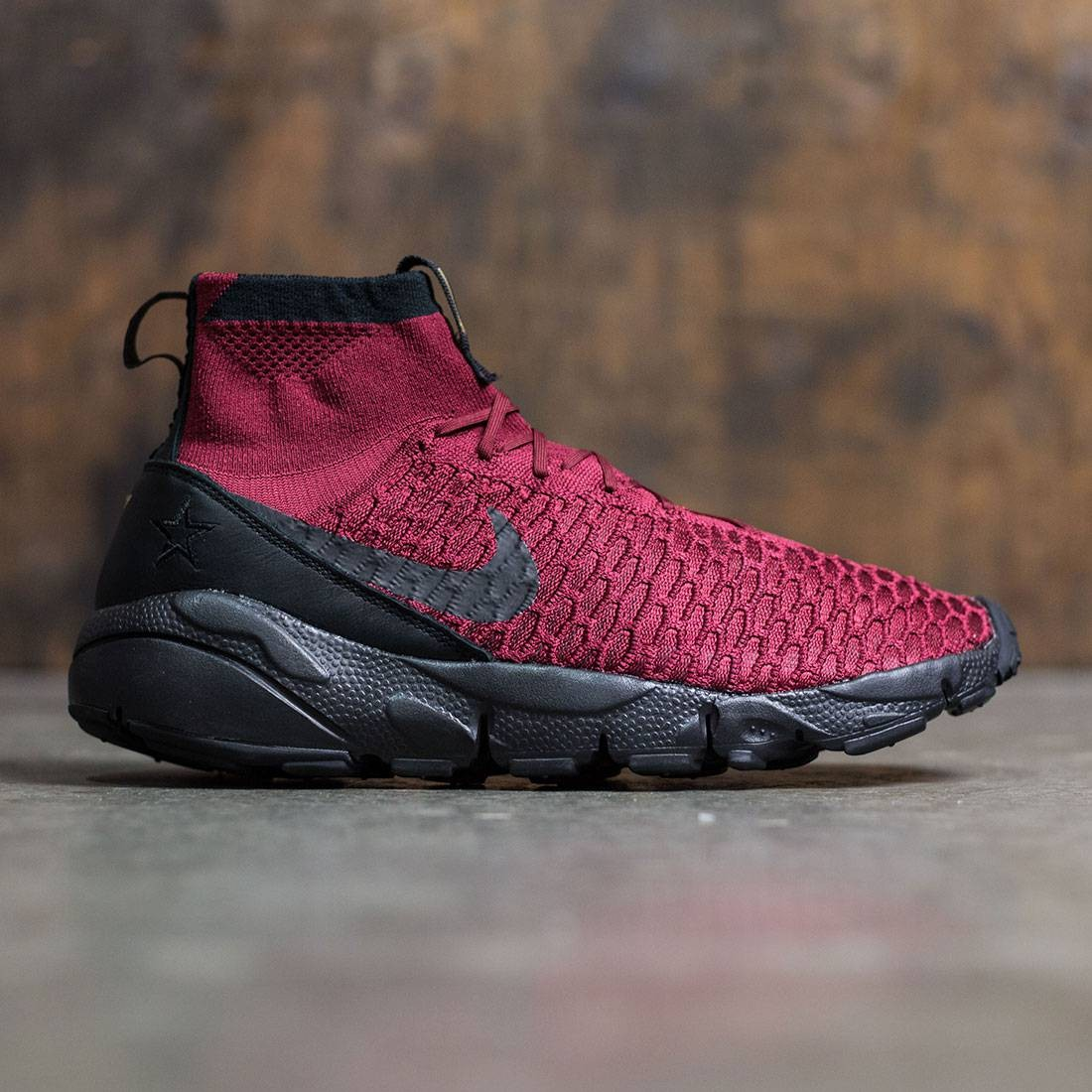 size 40 77c3b e732b nike air waffle team red rock