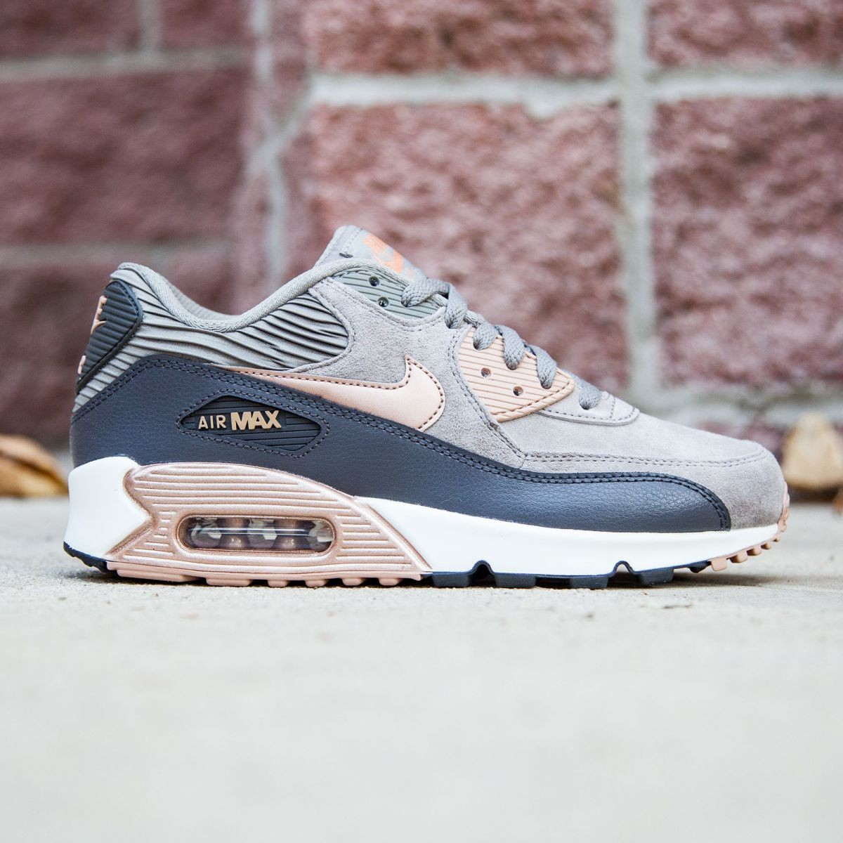 the best attitude d49f4 9957f Nike Air Max 90 Leather Iron Metallic Bronze